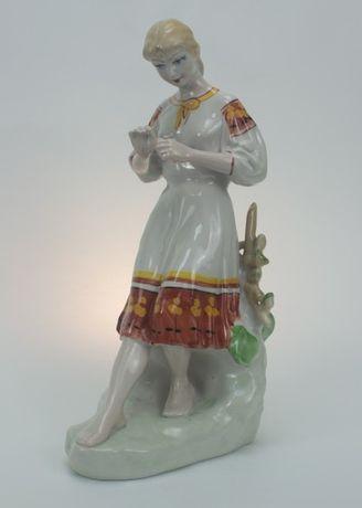 Дівчина з ромашкою, (фарфор, статуетка) нова