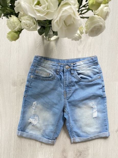 Szorty z jasnego miekkiego jeansu 134/140 cm jak nowe