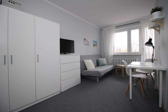 Duży pokój z balkonem i TV!