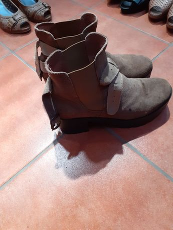 Vendo calçado usado