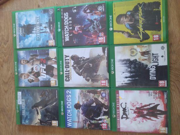 Xbox One S 500GB + 6 gier + 2 pady