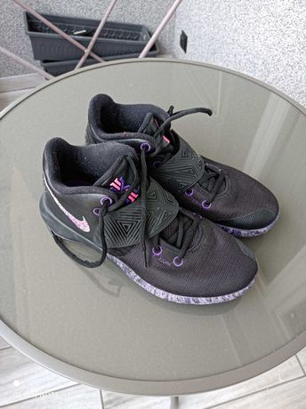 Buty koszykarskie NIKE KYRIE FLYTRAP III Black Purple - EUR 41 (26cm).