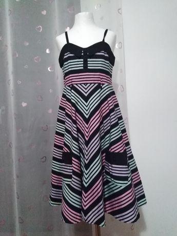 Sukieneczka dla dziewczynki 146/152