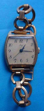 LUCH ЛУЧ СССР Ау10 , браслет Ау, женские часы рабочие