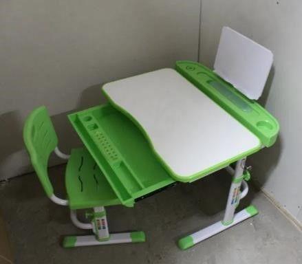 Детский стол,парта с стульчиком Bambi 4428