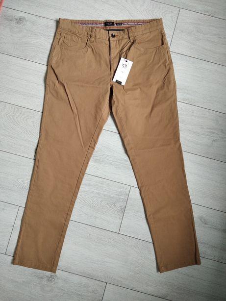 Spodnie długie męskie 33/32 CARRY