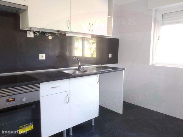 Apartamento T1 bem localizado, em São Braz - Amadora