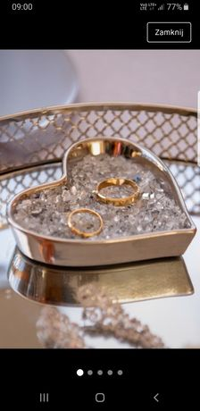 Podstawka na biżuterię ślubną