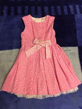 Красивое праздничное платье на девочку