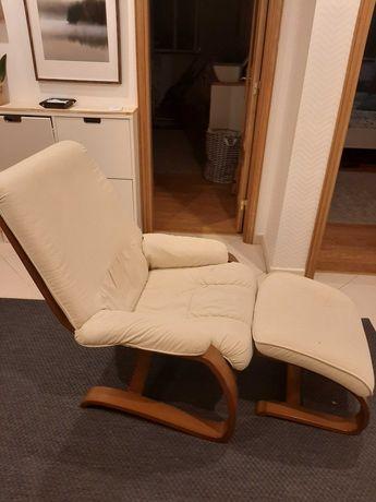 Cadeirao com apoio de pes