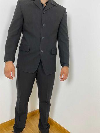 Fato preto (inclui casmisa, blazer e calças)
