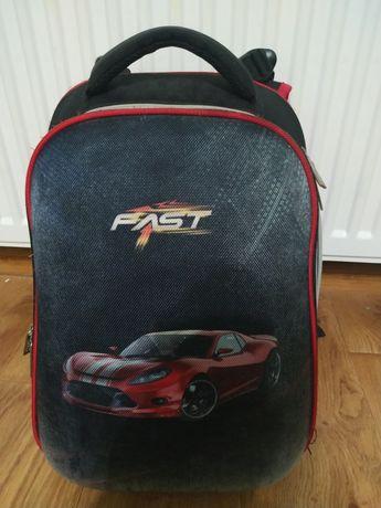 Продам школьный рюкзак (каркасный)