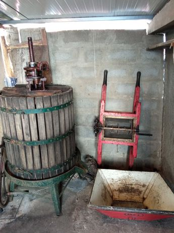 Prensa de uvas (Usado)