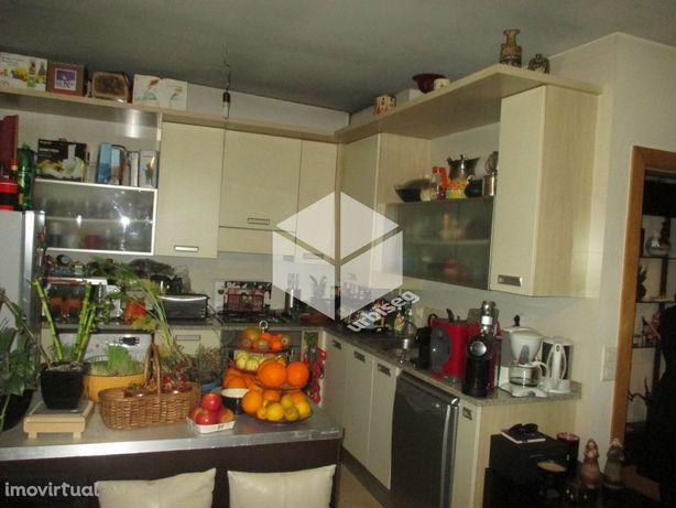 T2 Duplex em Condomínio Fechado no Bairro Novo