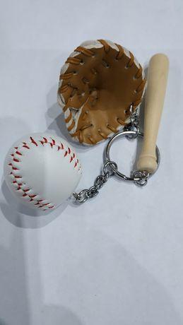 Brelok baseball piłka kij prezent breloczek