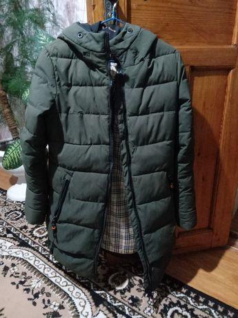 Продам курточку зимнею курточку размер L