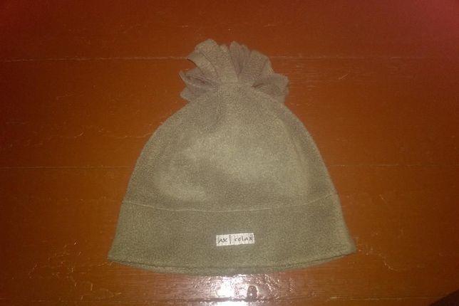 pluszowa czapka z frędzelkami