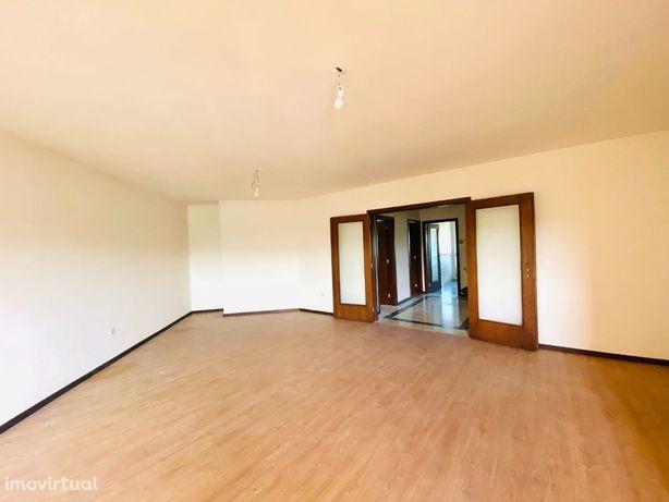 Apartamento T3 com 3 Casas de Banho e Vista Rio Douro