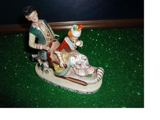 """Estatueta em Porcelana """" Japan"""""""