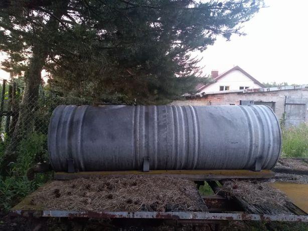 Beczka, zbiornik na wodę z kranem 630l