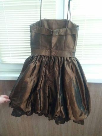 Платье для девочки 7 --8 лет красивое