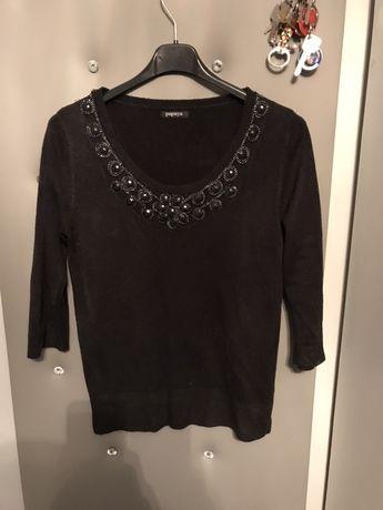 Czarny sweterek zdobiony bluzka 3/4 kwiaty