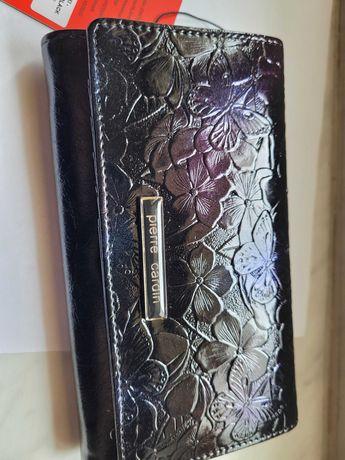 Nowy portfel damski Pierre Cardin zamienię na coś do Nintendo Wii