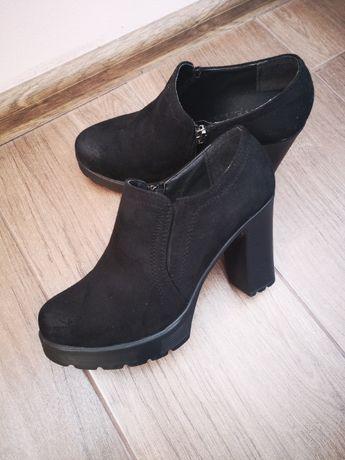 Черные ботиночки