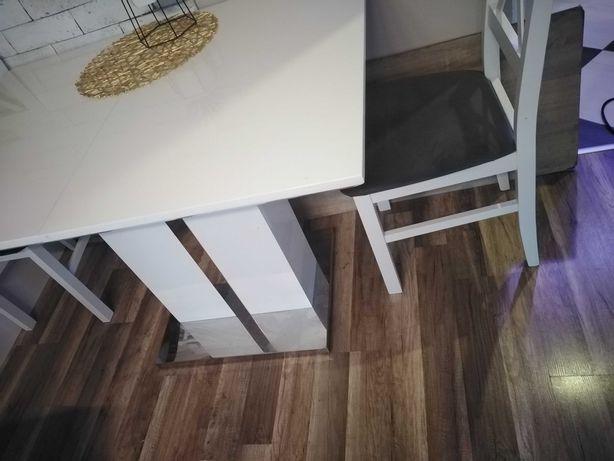 Stół lakierowany tanio praktycznie nowy