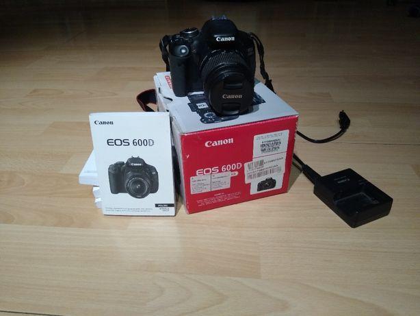 Aparat Lustrzanka Canon EOS 600D + obiektyw Canon EFS 18-55 mm