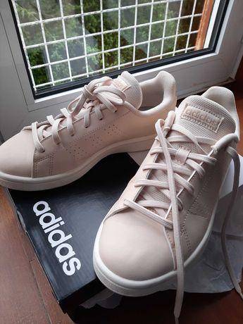 Ténis Adidas novos