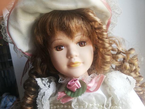 Stara lalka porcelanowa