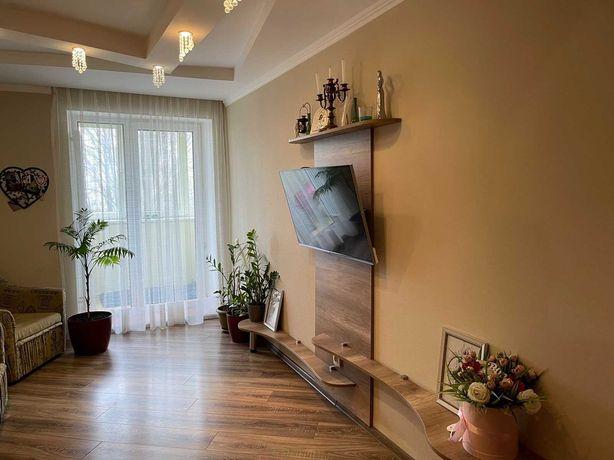 Продам 3-кімнатну квартиру з автономним опаленням! Чешка! C