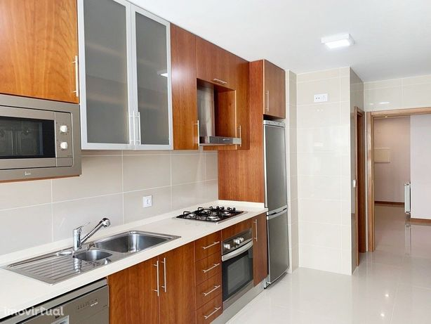 Apartamento T3 Praia da Barra, em frente à Praia