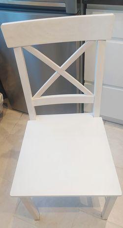Krzesła drewniane Jysk