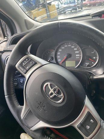 Toyota yaris 2014 (peças)