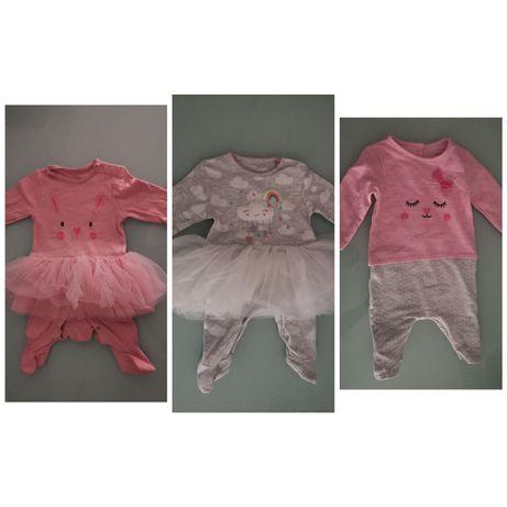 Conjunto de 2 babygrows como novos e 1 macacão 0/3 meses