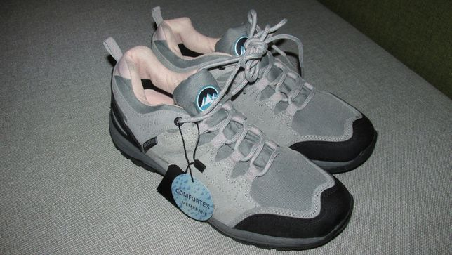 Продам НОВЫЕ кроссовки POLARINO 42 размера, стелька 27см Оригинал