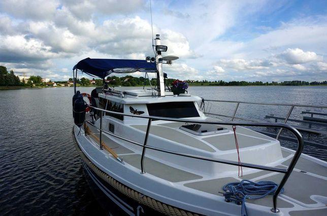 CZARTER jachtu motorowego - Laguna 700 cruiser - WJM - Niedźwiedzi Róg
