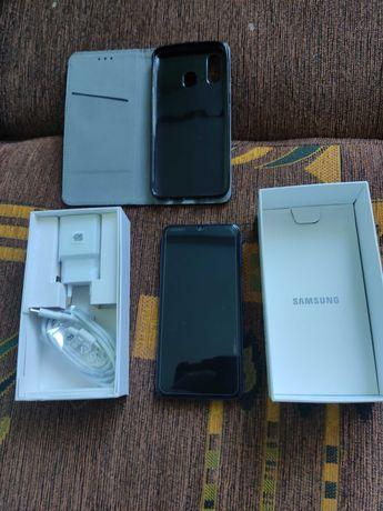 Samsung A40 stan b.dobry + etui + szkło
