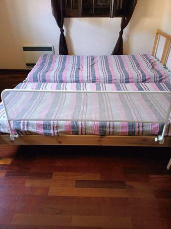Proteção para camas crianças comol novas o preço é das duas não é cada