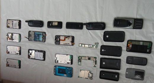 Telemóveis-ecrãs-capas traseiras e outras peças