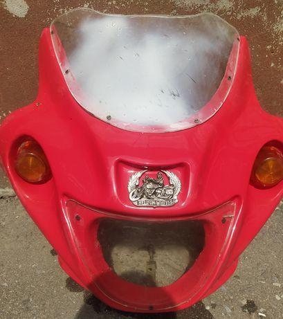 Обтекатель на мотоцикл , ветровое стекло , Ява.