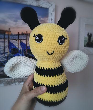 Pszczoła rękodzieło na szydełku pszczółka maskotka szydełkowa handmade