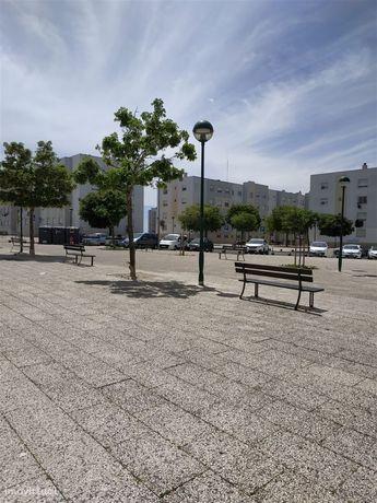 Apartamento T3 Venda em Carnaxide e Queijas,Oeiras