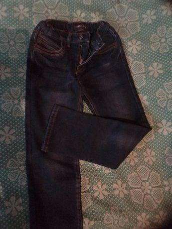 продам джинсы утепленные на мальчика