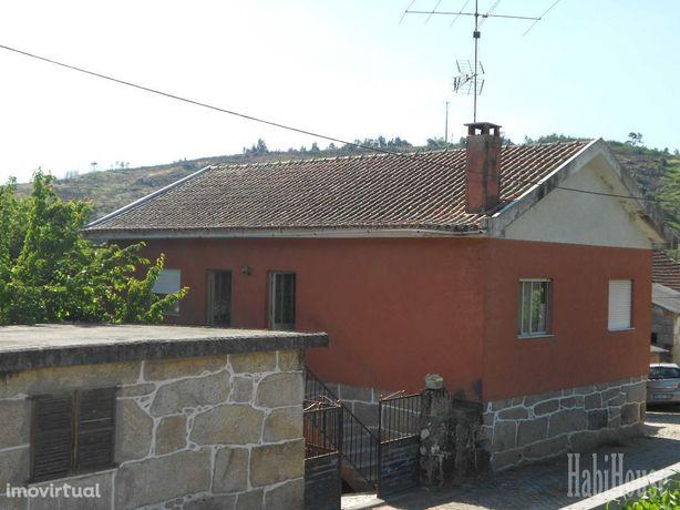 Moradia T3 Venda em Santar e Moreira,Nelas