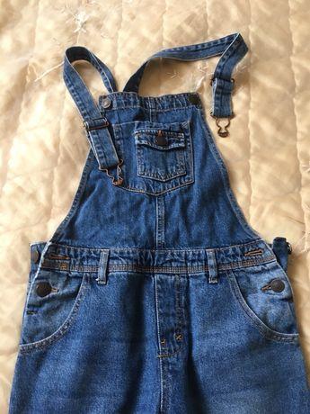 Модний джинсовий комбінезон