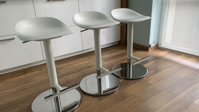 Hoker stołek barowy Janinge Ikea