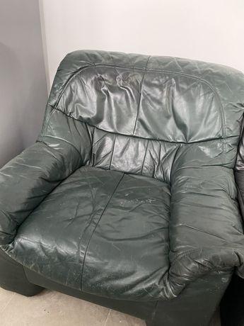 Кожаное кресло темно-зеленое